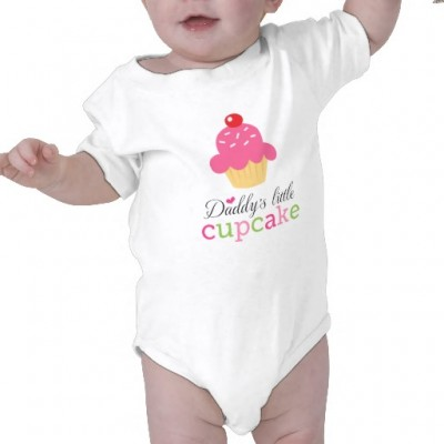 "Cute, girly jumpsuit with text ""Daddy's little cupcake"""